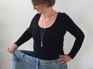 Karina S. Henkel*, 49, kämpfte ihr Leben lang gegen ihr extremes Übergewicht. Mit 42 schaffte sie es, 80 Kilogramm abzunehmen und musste sich nicht nur an ihren neuen Körper gewöhnen, sondern auch daran, dass sich ihr ganzes Leben auf den Kopf stellte. Sie heiratete mit 45 Jahren ihre Jugendliebe, zog zu ihm in die USA und baut sich dort eine Existenz als Autorin und Bloggerin (www.karina-henkel.blogspot.com) auf.