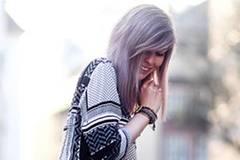 Schönes graues Haar - der Megatrend 2015