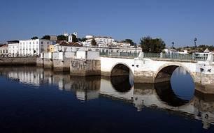 Kurztrips: Romantisch: Die Maurenstadt Tavira liegt am Fluss Gilão