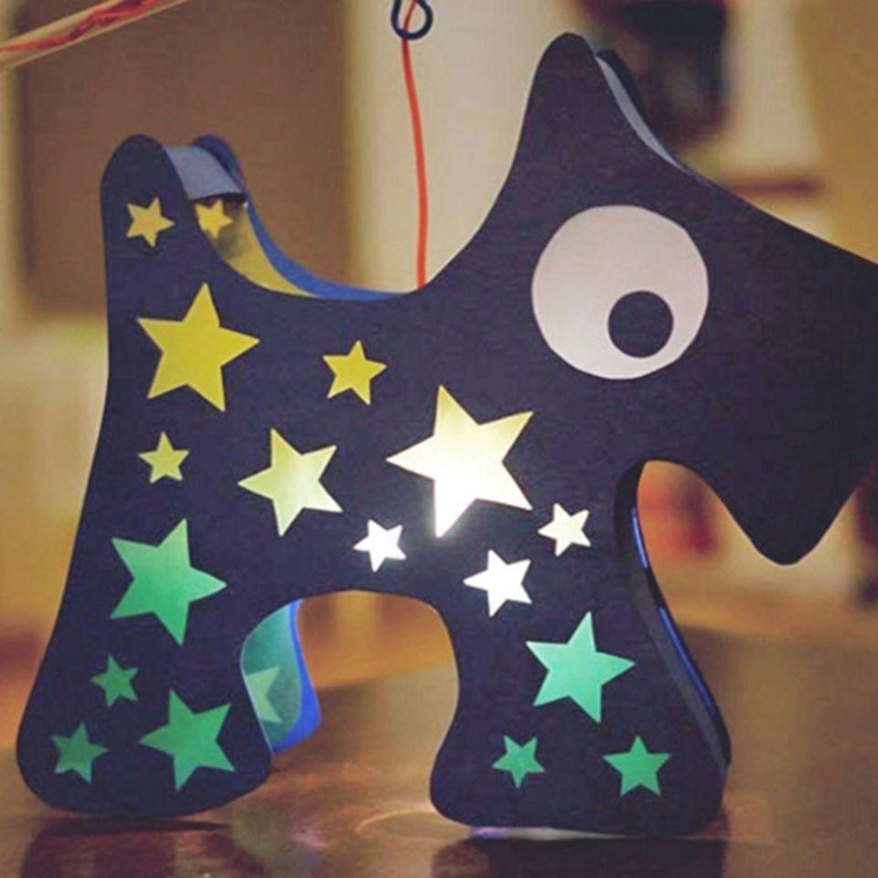 Laterne basteln: Hund für den Martinstag
