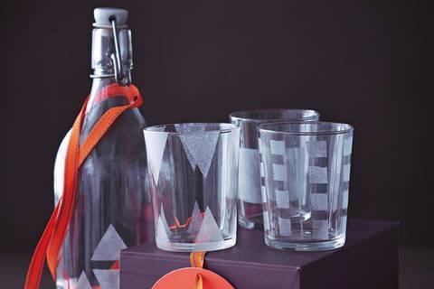 Gläser satinieren - festliches Geschirr selber machen