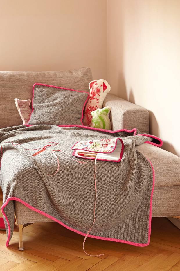 strickmuster strickdecke und kissenbezug stricken. Black Bedroom Furniture Sets. Home Design Ideas