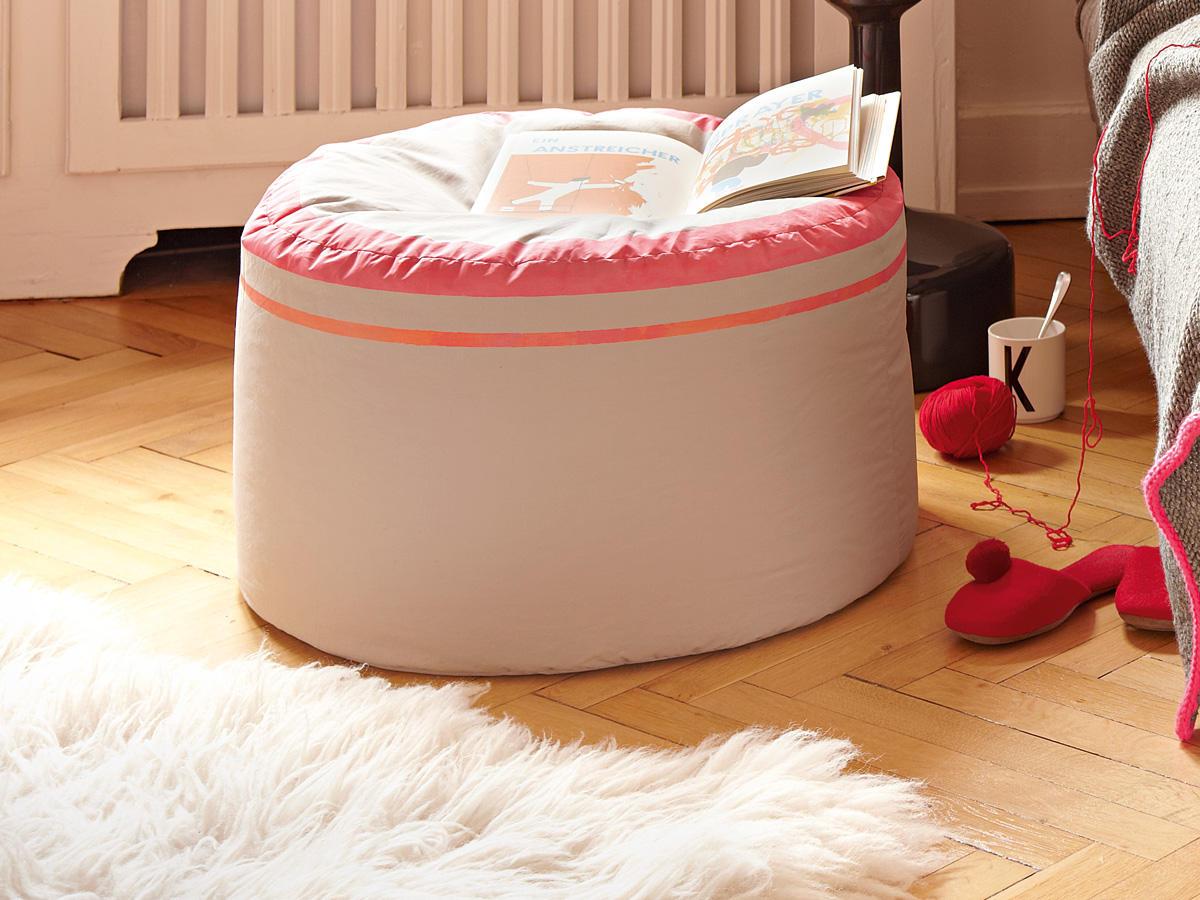 n hen sitzpouf selber machen anleitung zum nachmachen. Black Bedroom Furniture Sets. Home Design Ideas