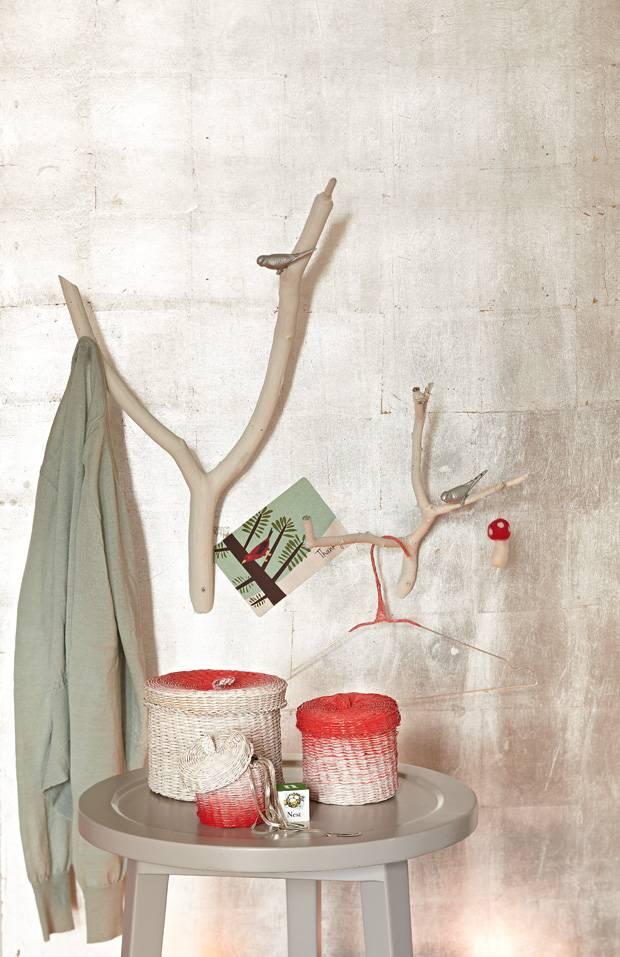 anleitung garderobe aus sten selber machen. Black Bedroom Furniture Sets. Home Design Ideas