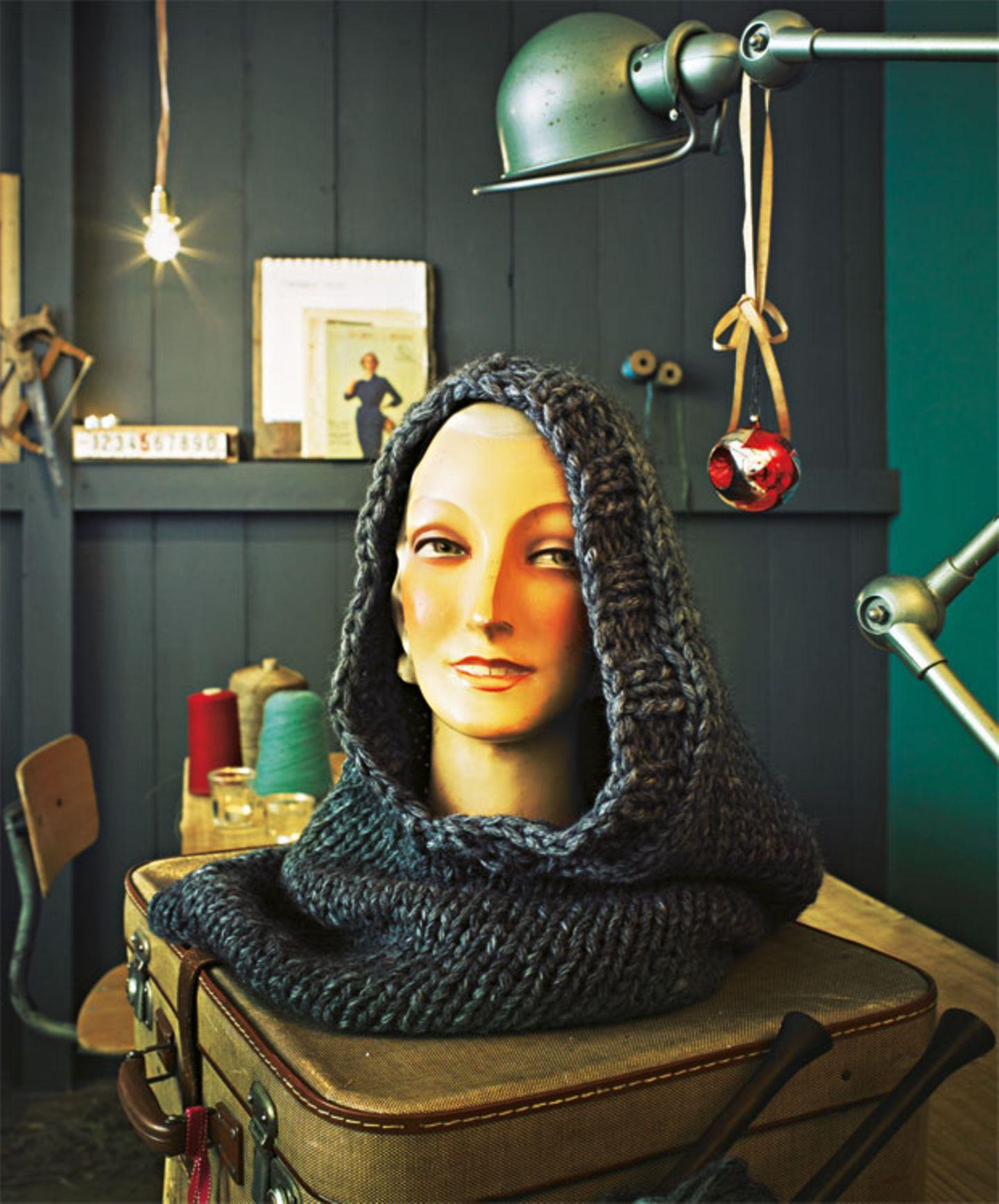 Schlauchschal mit Kapuze stricken