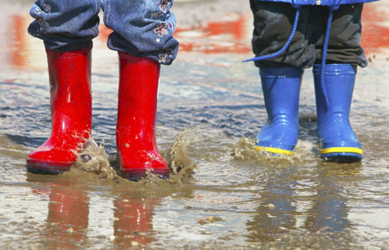 Belastete Kinderkleidung: Gift ist im Schuh