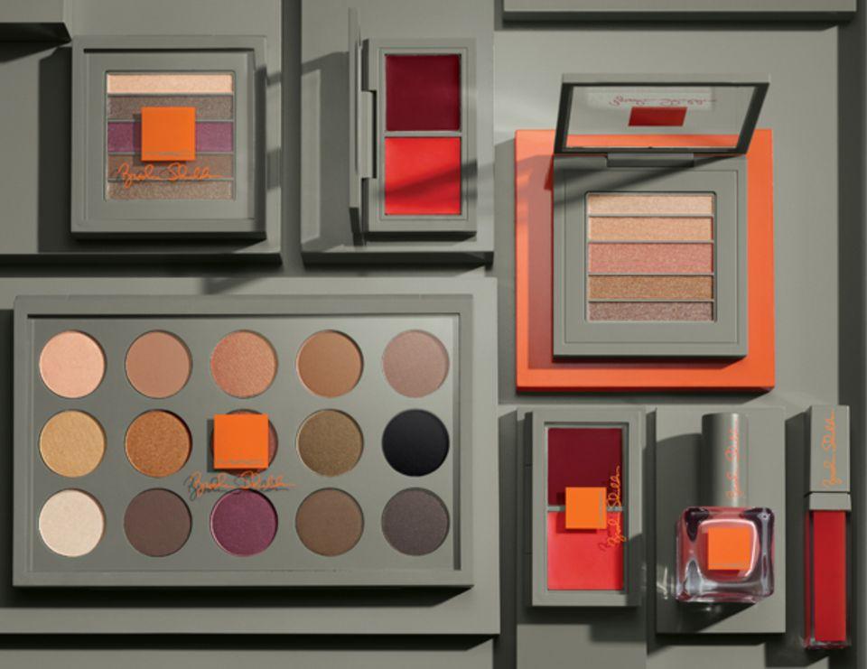 Brooke Shields macht Make-up für Mac