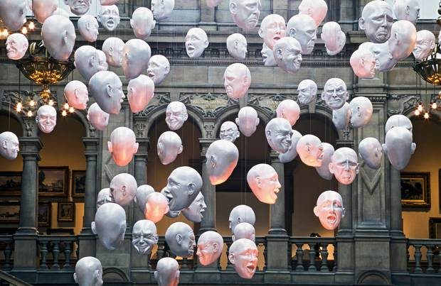 Kunst-Installation in der Kelvingrove Art Gallery.