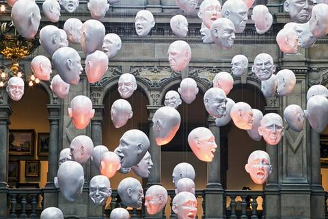Kunst-Installation in der Kelvingrove Art Gallery