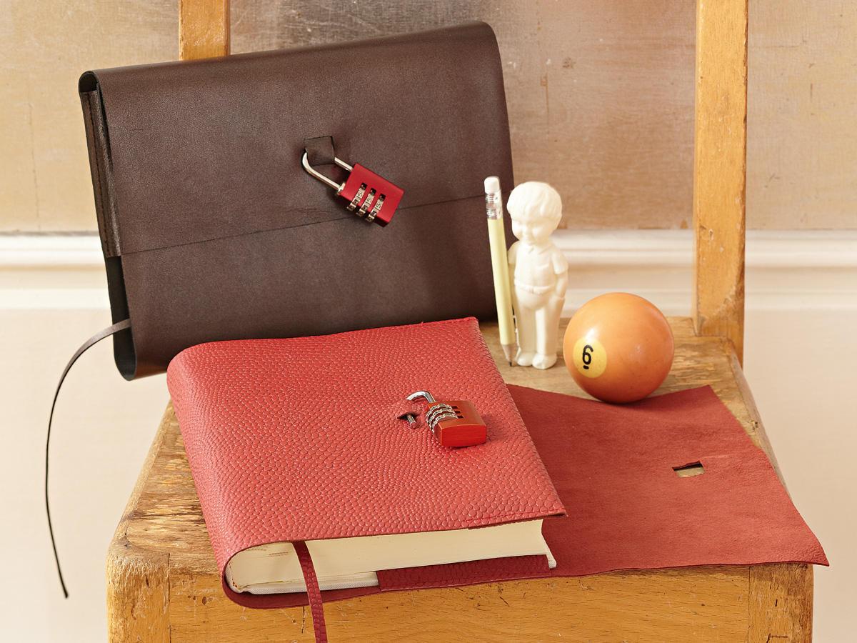 anleitung notizbuch mit schloss selber machen. Black Bedroom Furniture Sets. Home Design Ideas