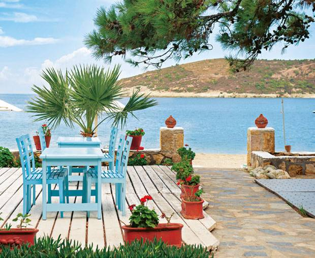 "Am Meer: ""Foça Port"" -Beachclub"