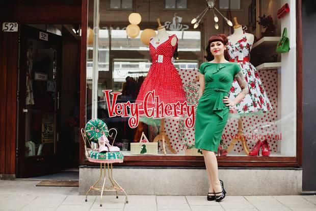 """Wunderbare Kleider für wunderbare Tanz-Events: Caroline Poiesz und ihre Boutique """"Very Cherry""""."""