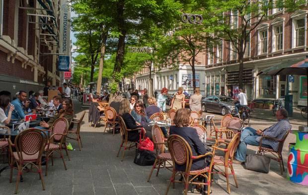 Ideal zum Shoppen und Ausgehen: Die Witte de Withstraat.