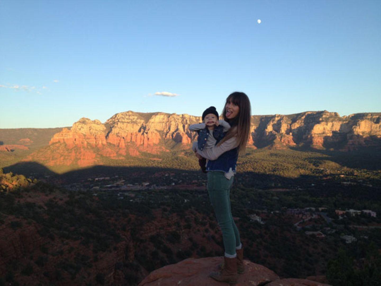 Morgan Brechler klettert mit ihrer Tochter durch die Berge Amerikas