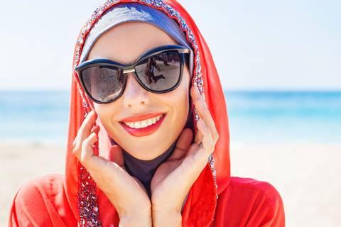 Was Musliminnen mit Kopftuch denken - und erleben