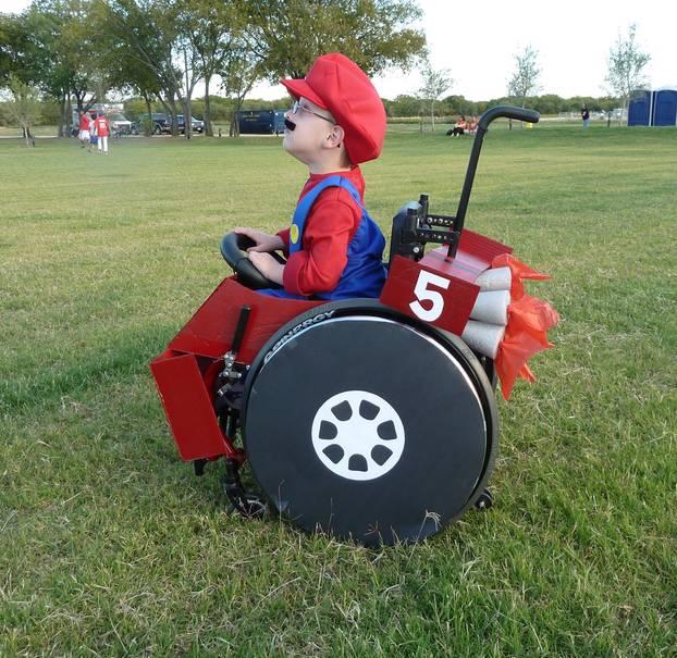 """Superheld im Rollstuhl: Nein, man muss nicht rennen können, um ein """"Super Mario"""" zu sein."""