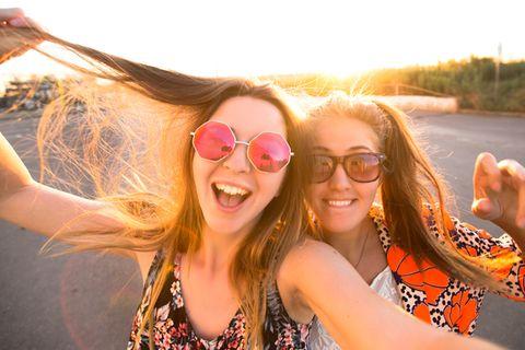 Was uns glücklich macht, ändert sich vier Mal im Leben