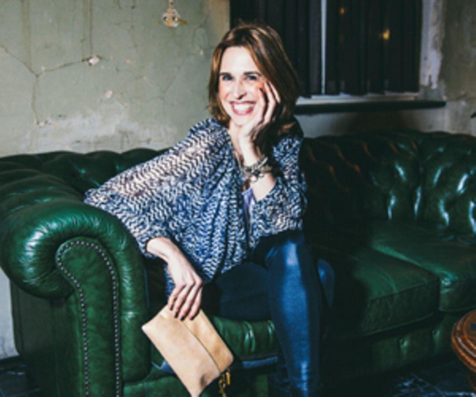 """Tanya Neufeldt schreibt unter dem Namen Lucie Marshall ein Blog über das Muttersein. Außerdem ist sie Autorin des Buchs """"Auf Highheels in den Kreißsaal"""" (Goldmann Verlag)."""