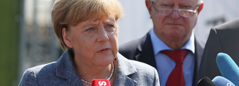 Heidenau: Merkel wird von Rechten ausgebuht