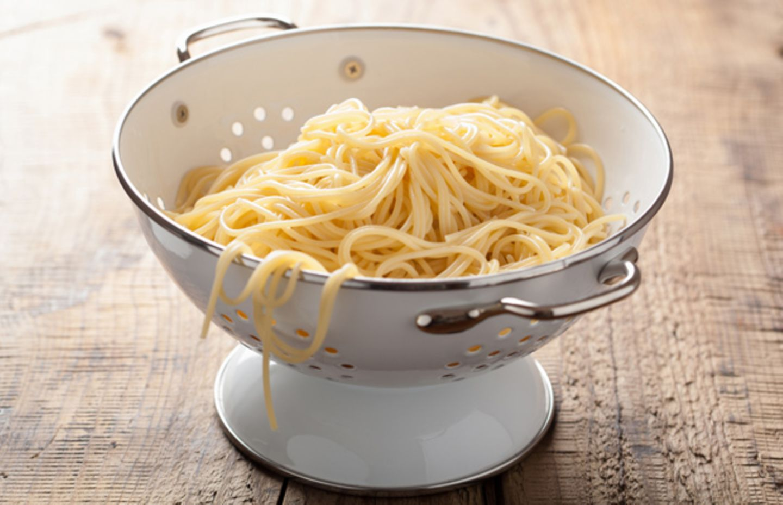 Ob mit Tomatensoße oder mit Pesto - Spaghetti gehören zu unseren Lieblingsnudeln.
