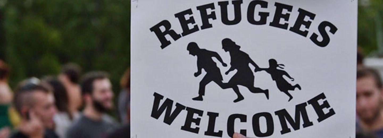 Deutsch-Türkin wird mit Flüchtling verwechselt - und mit Kuscheltier begrüßt