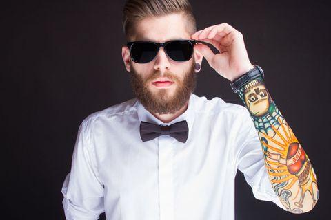 Sätze von beziehungsunfähigen Männern: Mann mit Sonnenbrille