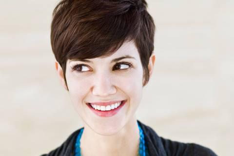 10 Situationen, die nur Frauen mit kurzen Haaren kennen