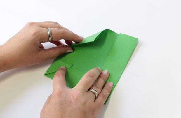 Brief Falten Markierung : Anleitung umschlag falten so geht s brigitte