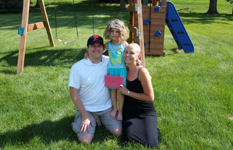 Auch wenn der Krebs in ihrem ganzen Körper gestreut hat, gibt Heather McManamy die Hoffnung nicht auf. Ihre Familie gibt ihr Halt.