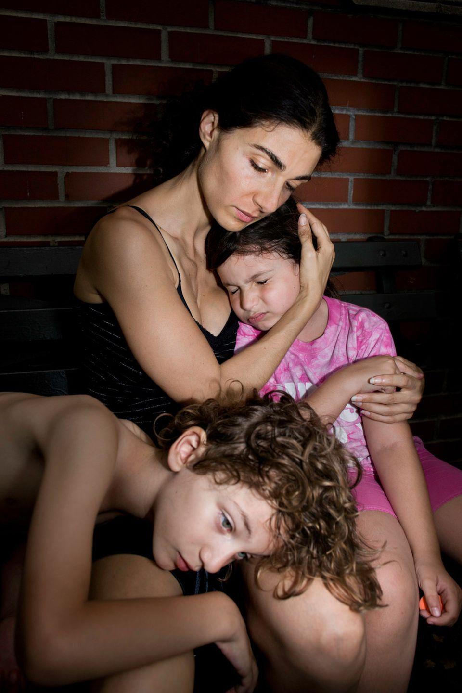 Rotz und Narben: Ein unzensierter Blick aufs Muttersein