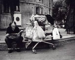 Kunst, die berührt: 100 Einwegkameras für Obdachlose