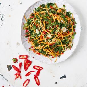 Grünkohlsalat mit Sesam