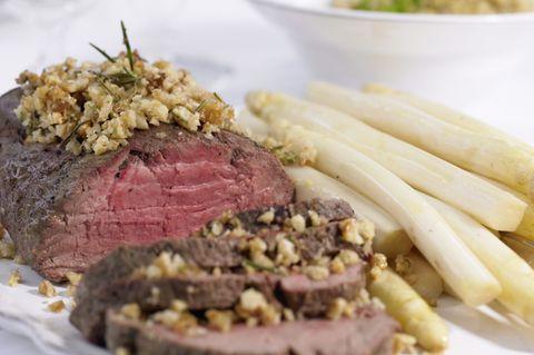 Rinderfilet mit Spargel und Quinoa