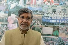 Kailash Satyarthi, der neben Malala den Friedensnobelpreis bekommt, ist Gründer der Organisation Bachpan Bachao Andolan (Bewegung zur Rettung der Kindheit) und kämpft seit über 20 Jahren gegen Kinderarbeit