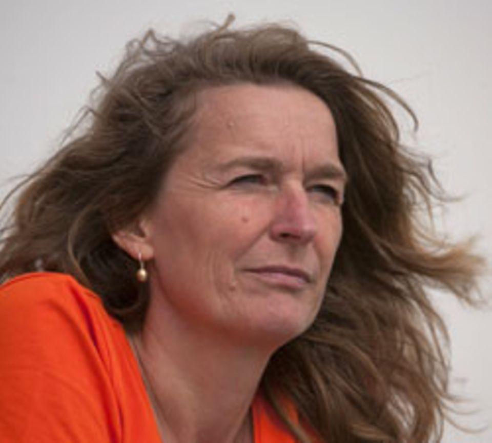 Dr. Iris Menn