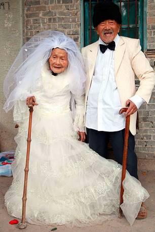 Bild des Tages: Erstes Hochzeitsfoto nach 88 Jahren: Welch ein Liebesglück