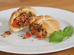 Vegane Pizzabrötchen: Die schmecken wie früher