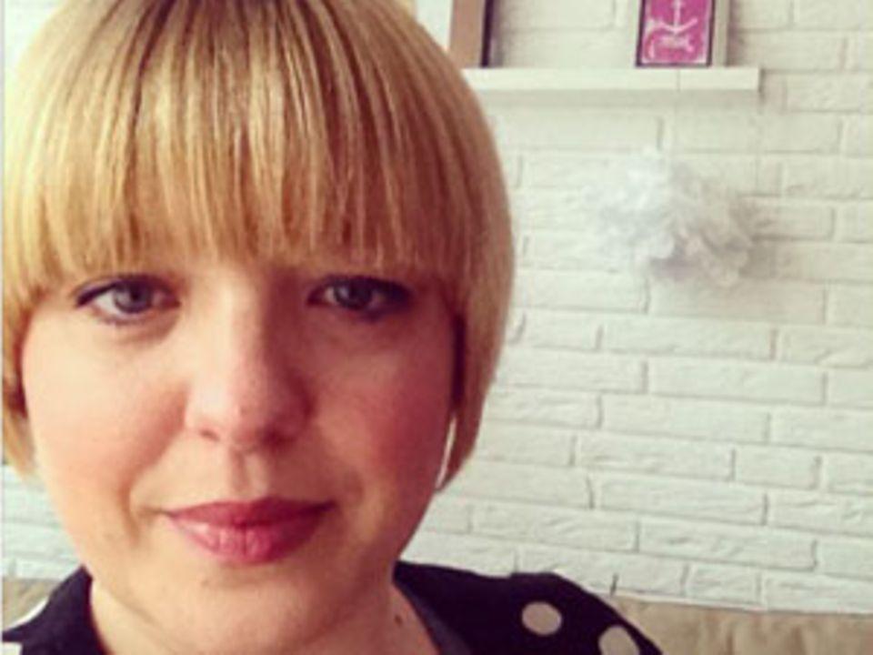 """Nina Verhoeven, 35, ist PR-Beraterin und wohnt in Hamburg. Nach der Geburt ihrer Zwillinge gründete sie das Label Hedi und designed nun coole Schnittmuster für Selbernäher. Auf ihrem Blog """"Hedi näht"""" schreibt sie über ihre genähten Hedi-Klamöttchen, Leckereien und Hamburger Allerlei."""