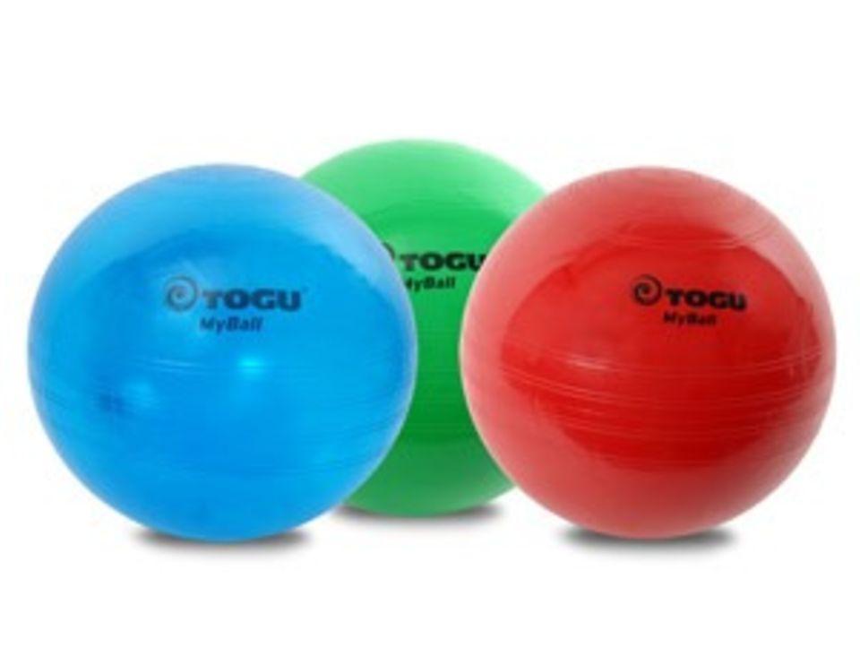 Mit Ball und Sandsack fit werden