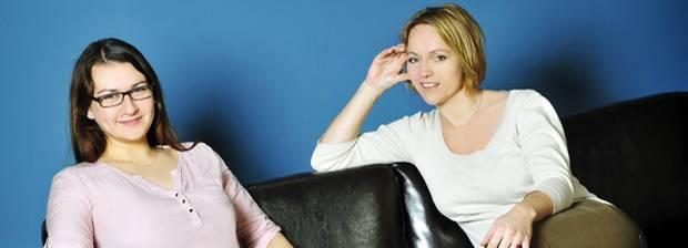 Organisiert werden: Helfen ratlosen Schwangeren weiter: Ulrike Loth und Inga Sarrazin von Maternita