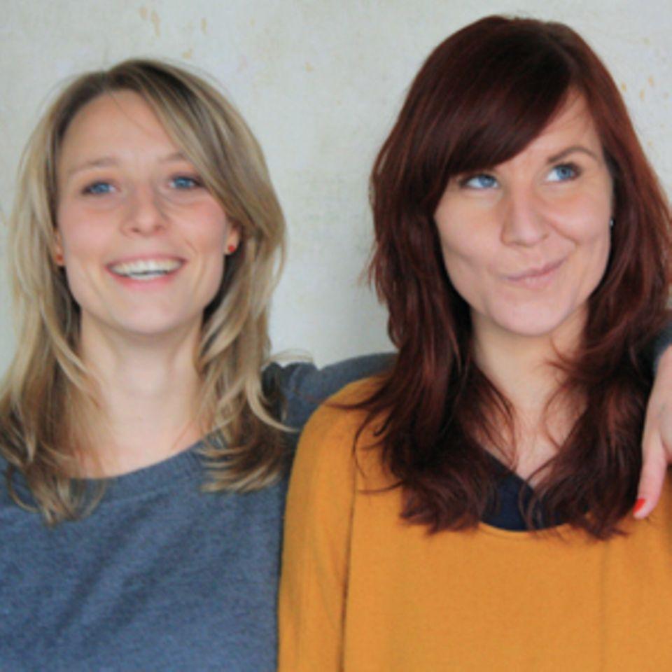 Sophie Pester, 31, und Catharina Bruns, 34, sind Designerinnen, passionierte Selbermacherinnen und Gründerinnen von supercraft. Dort verschicken sie alle zwei Monate innovative DIY-Kits an Menschen, die Lust haben, selbst kreativ zu werden.