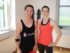 Fitnesskurs: Trainer Oliver Prescher und KamiBo-Neuling Dani