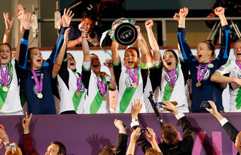 Fußballerinnen vom VfL Wolfsburg verteidigen Titel
