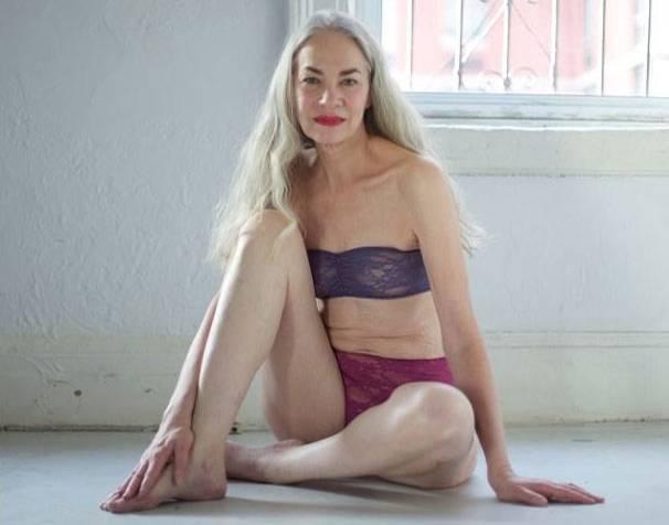 Models: Unterwäsche mal anders präsentiert - vom 62-jährigen Model Jacky O'Shaughnessy