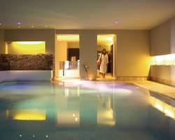 Pool im Theresia Hotel