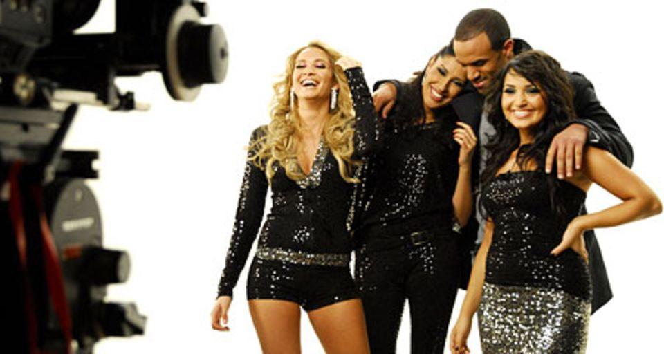 Craig und die Mädels von Monrose (Mandy, Senna und Bahar) beim Videodreh