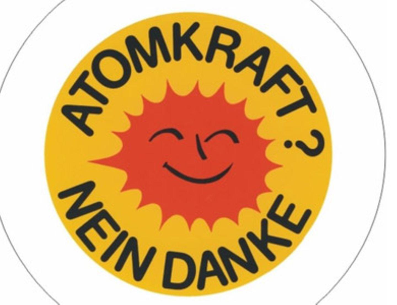 "Den Button ""Atomkraft. Nein danke"" kostet bei www.linke-t-shirts.de um 0,70 Euro."