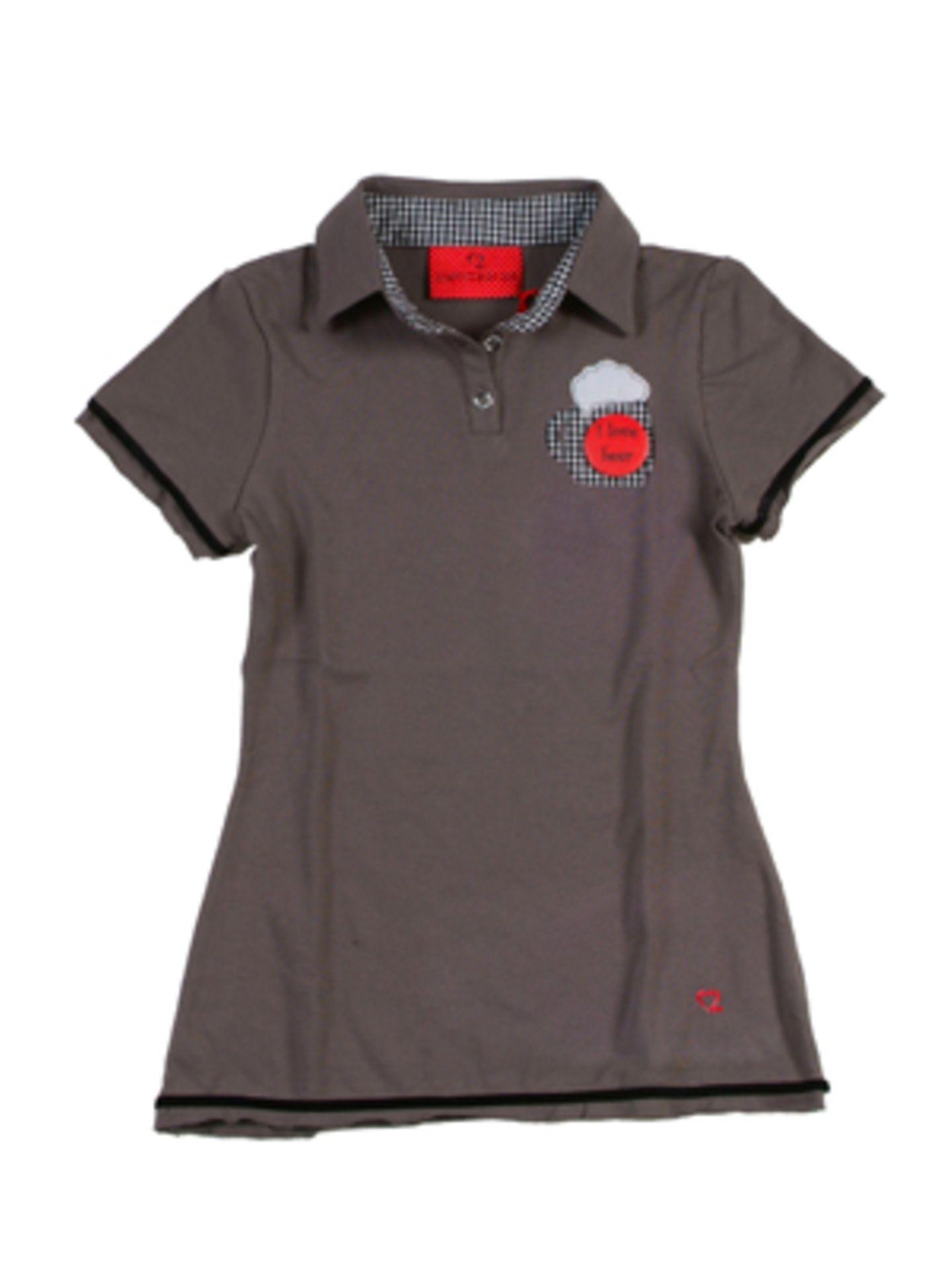 Taupefarbenes Polo-Shirt mit Bierkrug-Motiv von Zweitracht, um 50 Euro.