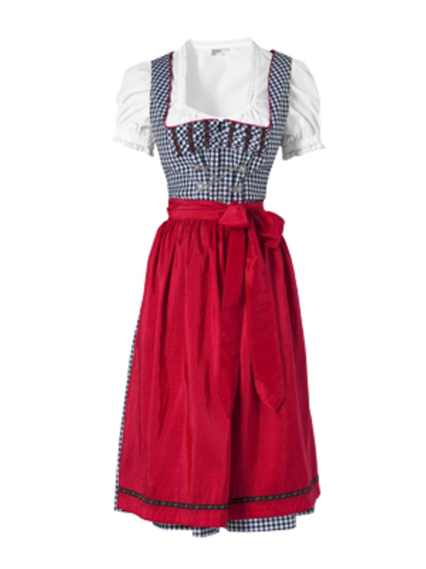 Halblanges, kariertes  Dirndl in Dunkelblau mit roter Schürze und weißer Bluse mit leichtem Puffärmel von K&L, um 80 Euro. Bluse um 20 Euro.