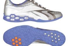 Eine Sohle, fast zu schön um darauf zu laufen. Schuhe von Reebok, um 90 Euro.